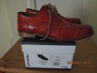 Men's tan laced shoes size 11