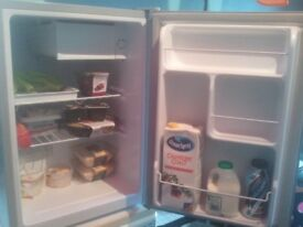 LOGIK table top mini fridge 70 litres - used for 2 weeks - £49 can deliver in Nottingham City