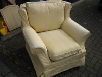 Nice cottage style armchair.