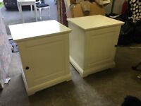 2x bedside units with internal shelf