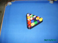 SNOOKER TABLE balls and triangle no que
