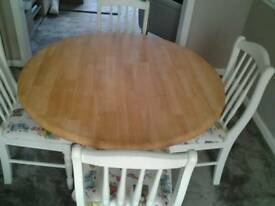 Shabby chic Oak round table and 4 chairs