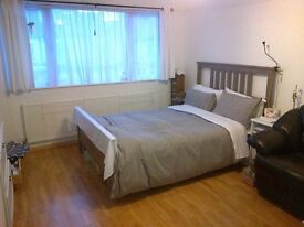 1 Large Double Room Golders Green (All Bills Included)
