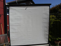 Cine/Movie Screen, roll up and down.