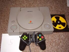 PLAYSTATION 1 WITH WORMS GAME
