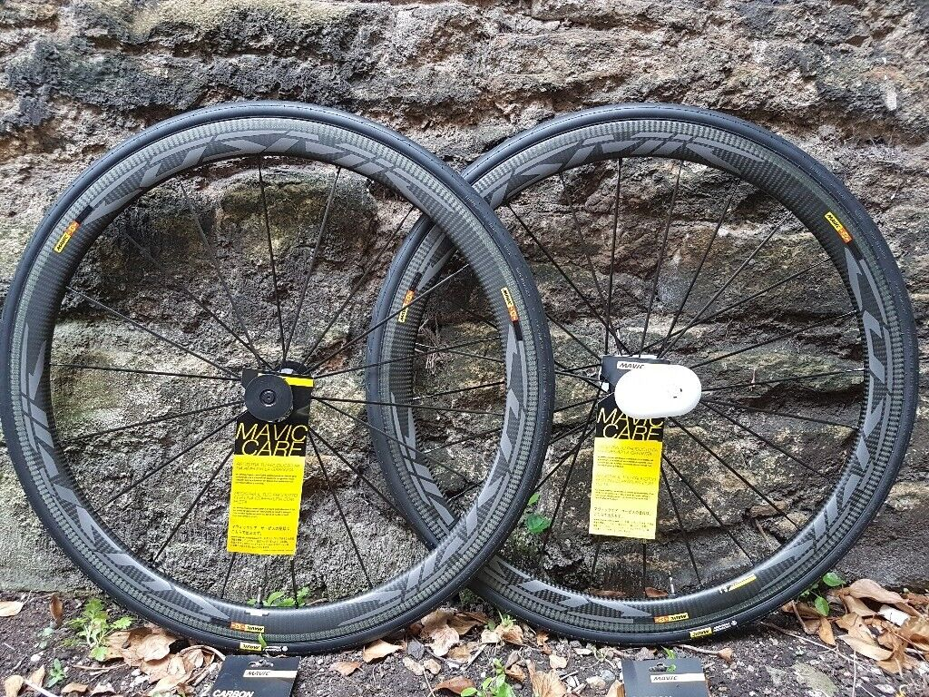 2d0c54431bb 2018 Mavic Cosmic Pro Carbon SL UST Complete Wheelset with tyres Ex Demo.  (Retail at £1389-£1409.99)