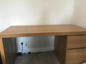 IMMACULATE DESK FOR SALE