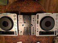 PIONEER DJM 250 MIXER & CDJ 800 MK2s. FULLY BOXED