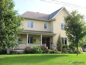 525 000$ - Maison 2 étages à vendre à St-Nicolas