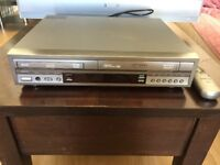 SAMSUNG DVD AND VCR COMBINATION PLAYER