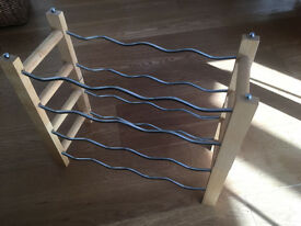 Stacking wine racks in wood and chrome