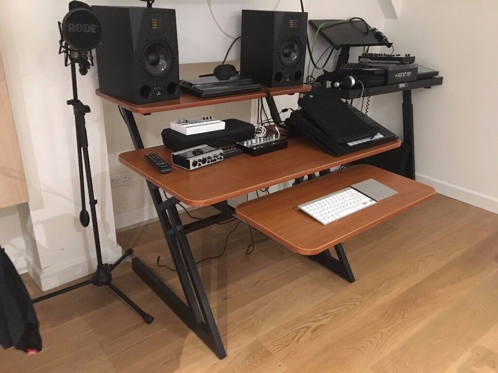 Quiklok Z250 Studio Desk 3 Tier Cherry Wood As New