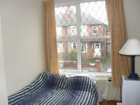 Two bedroom flat to rent - Headingley, Leeds - £650pcm Available Now