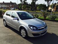 Hi for sale Vauxhall Astra 56 plat in 2006 model 1.6 engine nice family car Run and drive perfect
