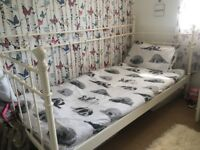 Single white day bed excellent condition