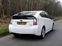 Toyota Prius and Honda Insight for rent from only £110