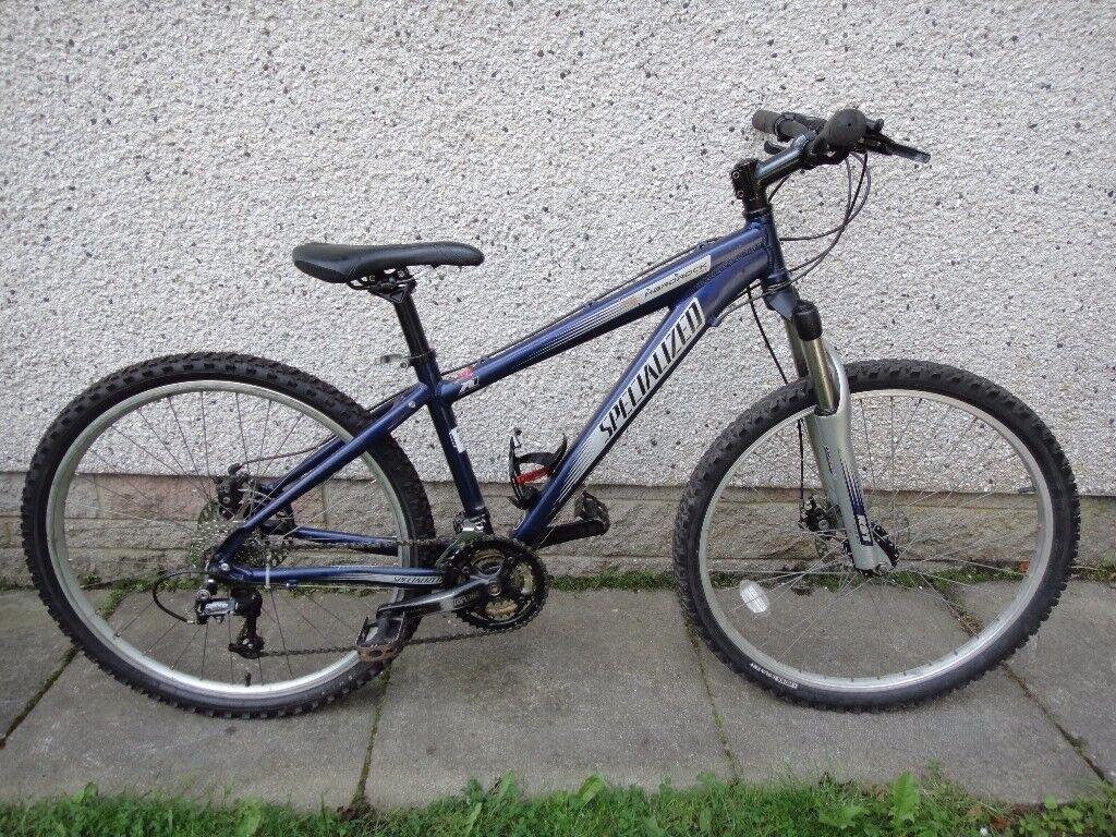 Specialized hardrock bike, 26 inch wheels, 21 gears, 17 inch lightweight aluminium frame, blue
