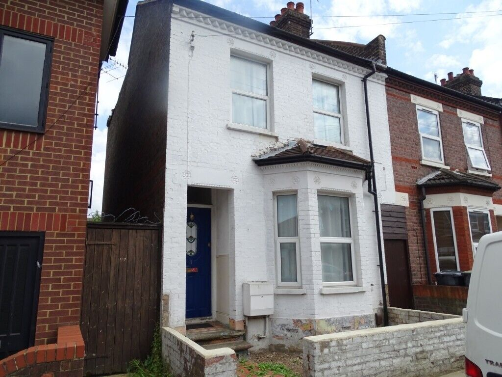 Astounding Three Double Bedroom House For Rent On Naseby Road Luton In Luton Bedfordshire Gumtree Download Free Architecture Designs Lukepmadebymaigaardcom