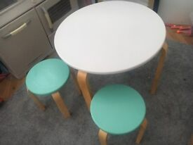 Play table and stool set