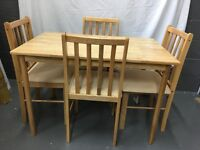 Oak Efect Wooden Kitchen Dinning Room Table with 4 Wooden Chairs
