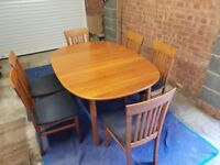 Dining room table with extension and 6 chairs