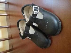 Girl Black Shoe_Size 5 Belleville Belleville Area image 1