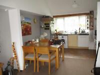 Spacious and light 1 bedroom unfurnished first floor flat £875 pm