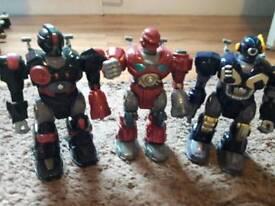 3 robot's