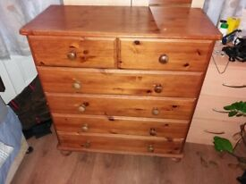 Pine Chest of Drawers, 2+4 drawers,solid pine wood, stong, clean and in very good condition.