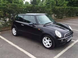 **Black Mini One 2003** Excellent Condition and Low Mileage.