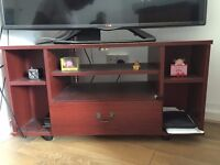 TV Stand for sale for 5GBP - Can deliver around East London