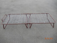 Folding single bed for guests or camping