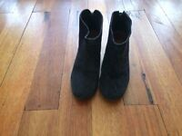 Hudson suede boots size 6