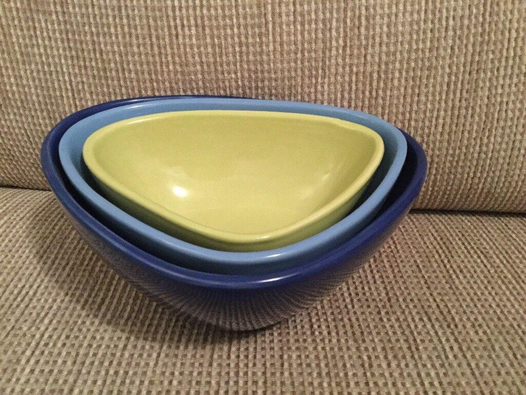 Set of 3 triangular bowls