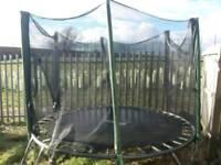 8 foot trampoline and enclosure