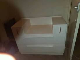 Solid wood dressing table with drawers
