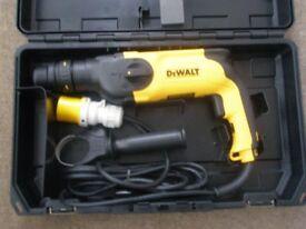 DeWalt D25104 electric drill