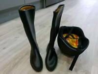 child's riding boots and hat