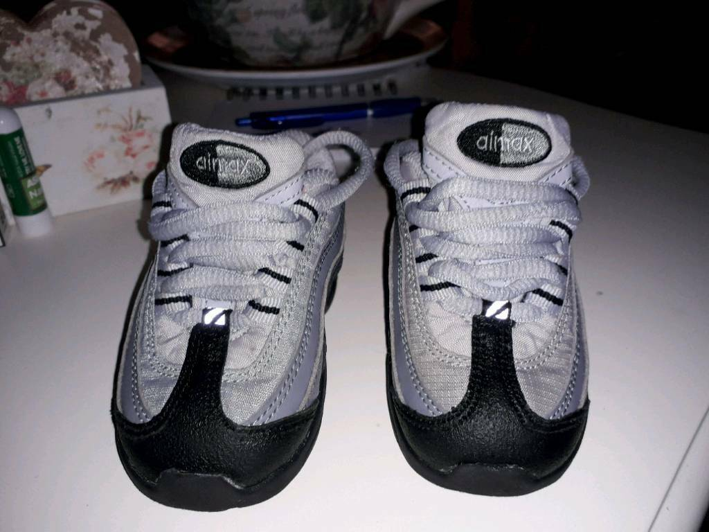 Toddler nike airmax trainers new  1f7ed5d81