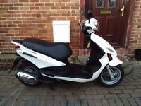 2016 Piaggio FLY 125 scooter, very low miles, very good runner, bargain, cheap insurance, not pcx sh