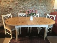 Lovely farmhouse table and 4 chairs