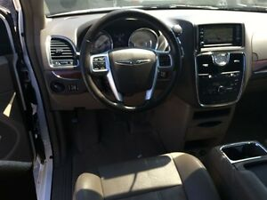 2011 Chrysler Town & Country Touring * LEATHER * CAM * HTD PWR S London Ontario image 14