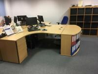 Immaculate oak office desks easy to assemble and attractive to look at.