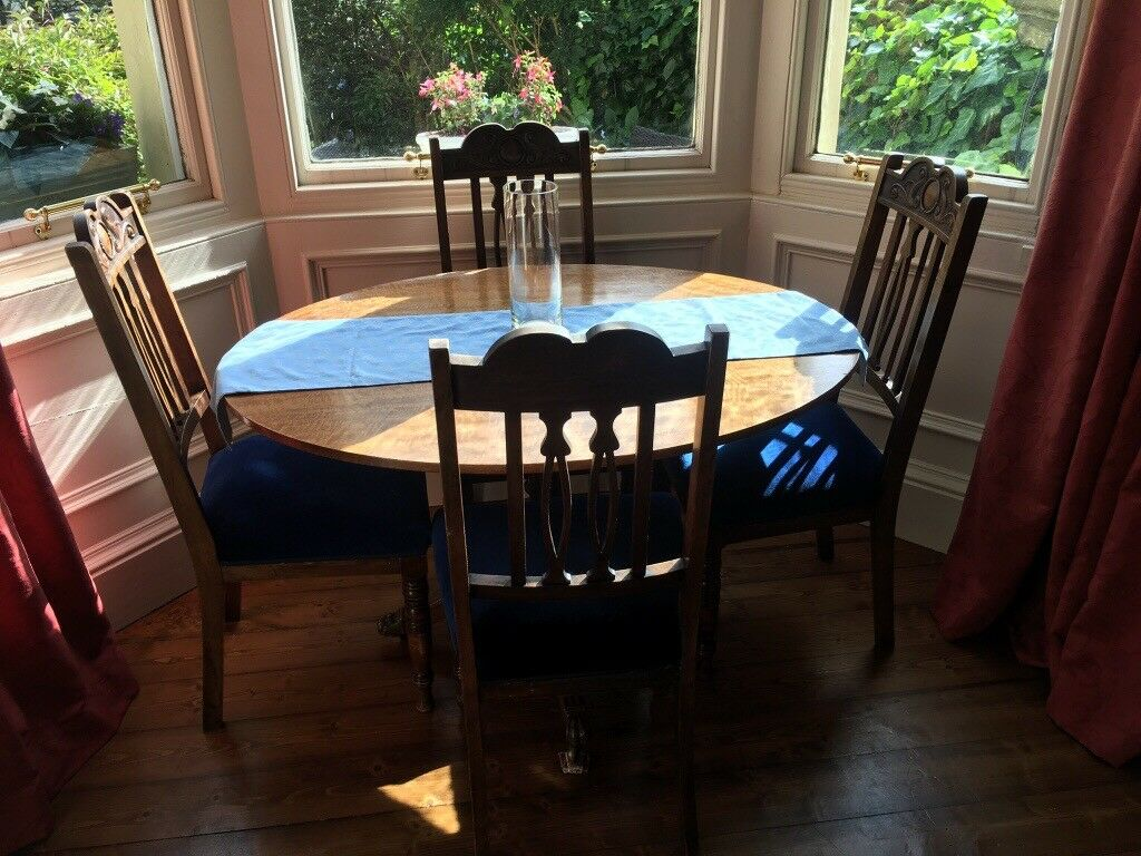 Gorgeous Oval Dining Table 4 Chairs