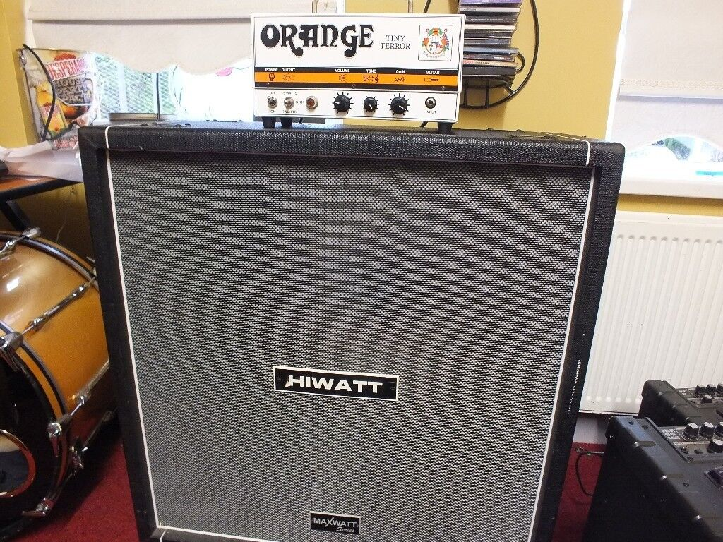 Dec 2016. Hiwatt amps like the 1969 Custom 100 (Model DR103) shown here were made to Reevess.