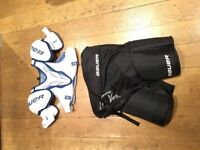 Large Sr Bauer Nexus N7000 shoulder and shorts for ice hockey / roller. Used once.
