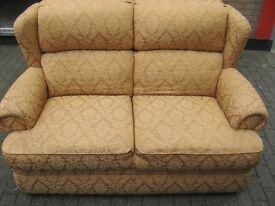 2 SEATER SOFA IN A CLASSICAL GOLD DESIGN, GOOD CONDITION, VERY FIRM CUSHIONS.