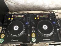 Pioneer CDJ-1000 MK3 x 2 (free Pioneer DJM-400 mixer)