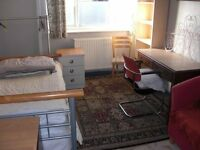 LOVELY LARGE SINGLE ROOMS IN QUIET NON-SMOKING NON-CROWDED HOUSE IN ZONE 2, NO DSS
