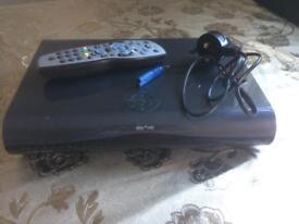 SKY DIGITAL HD BOX 1000GB 1TB WITH REMOTE CONTROL SMETHWICK £30